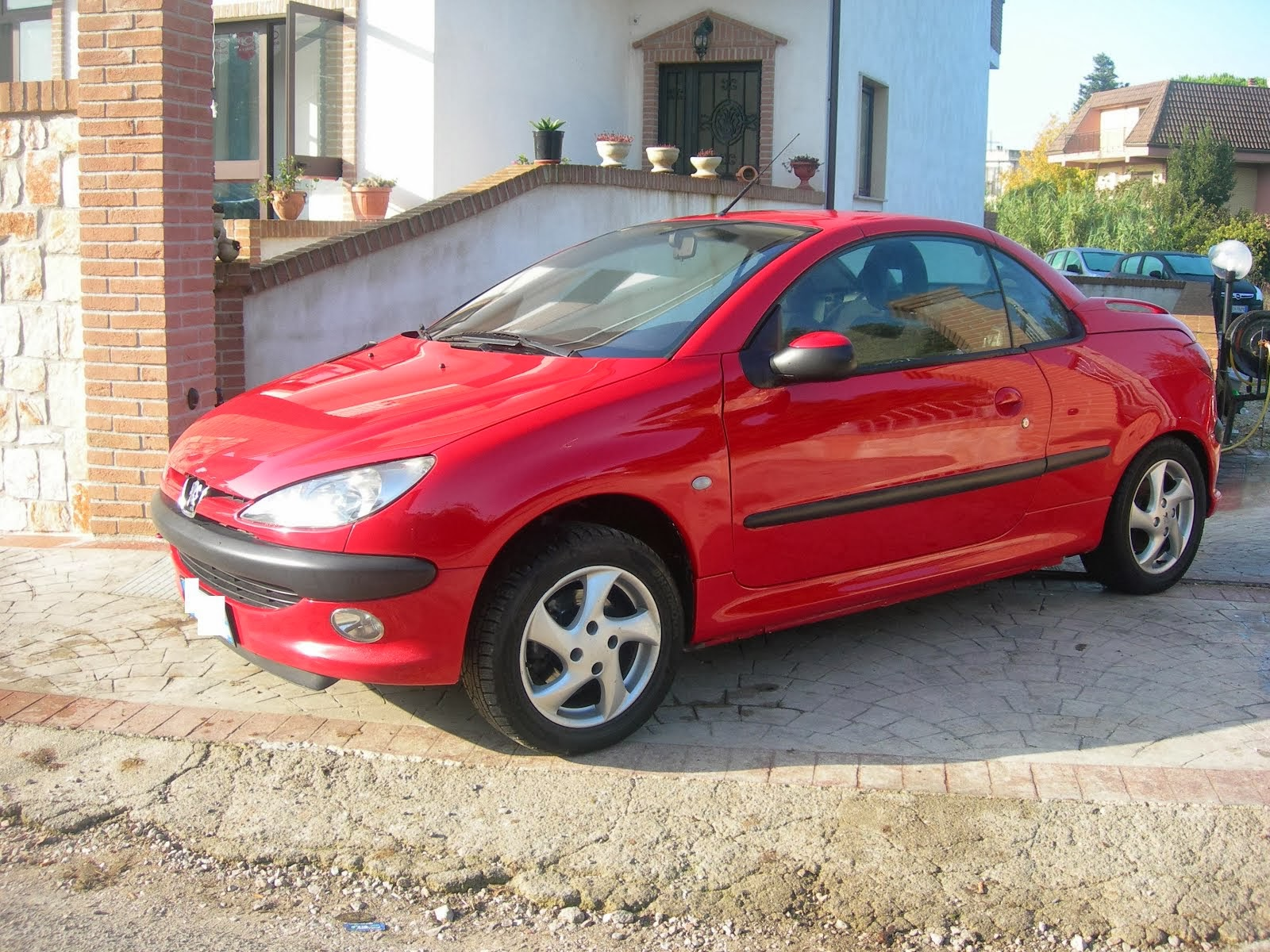 Peugeot 206 C.C 1.6 cabrio 2002 full optional 100.000 km 2.500,00 euro