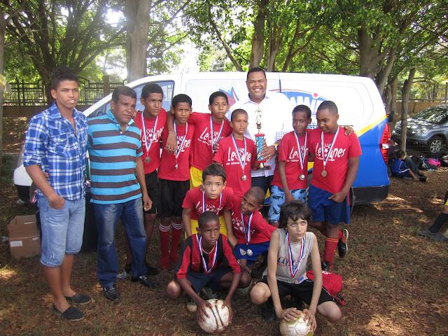 Leones de Alma Rosa y Juana Sabina campeones en torneos de la Asofutsado