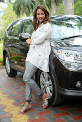 Lakshmi Manchu latest photo shoot gallery-thumbnail-1