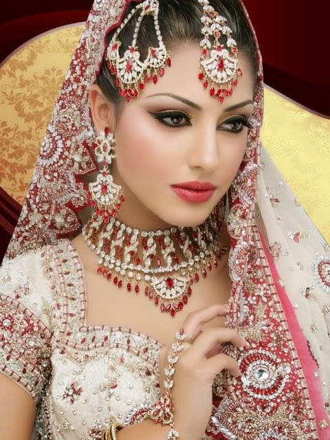 Traditional Bridal Makeup : Beautiful Latest Simple Arabic Pakistani Indian Bridal ...