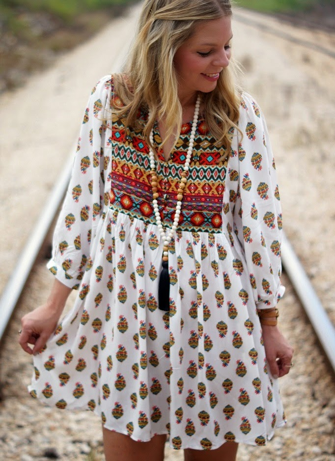 Boho shift dress - fall style outfit idea
