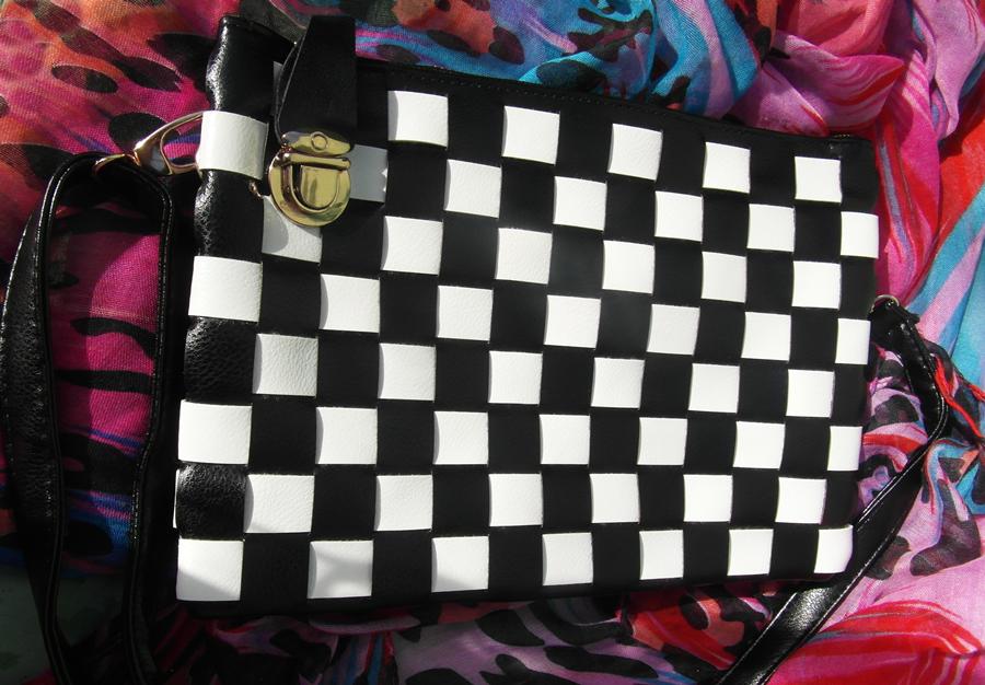 bag-black-and-white