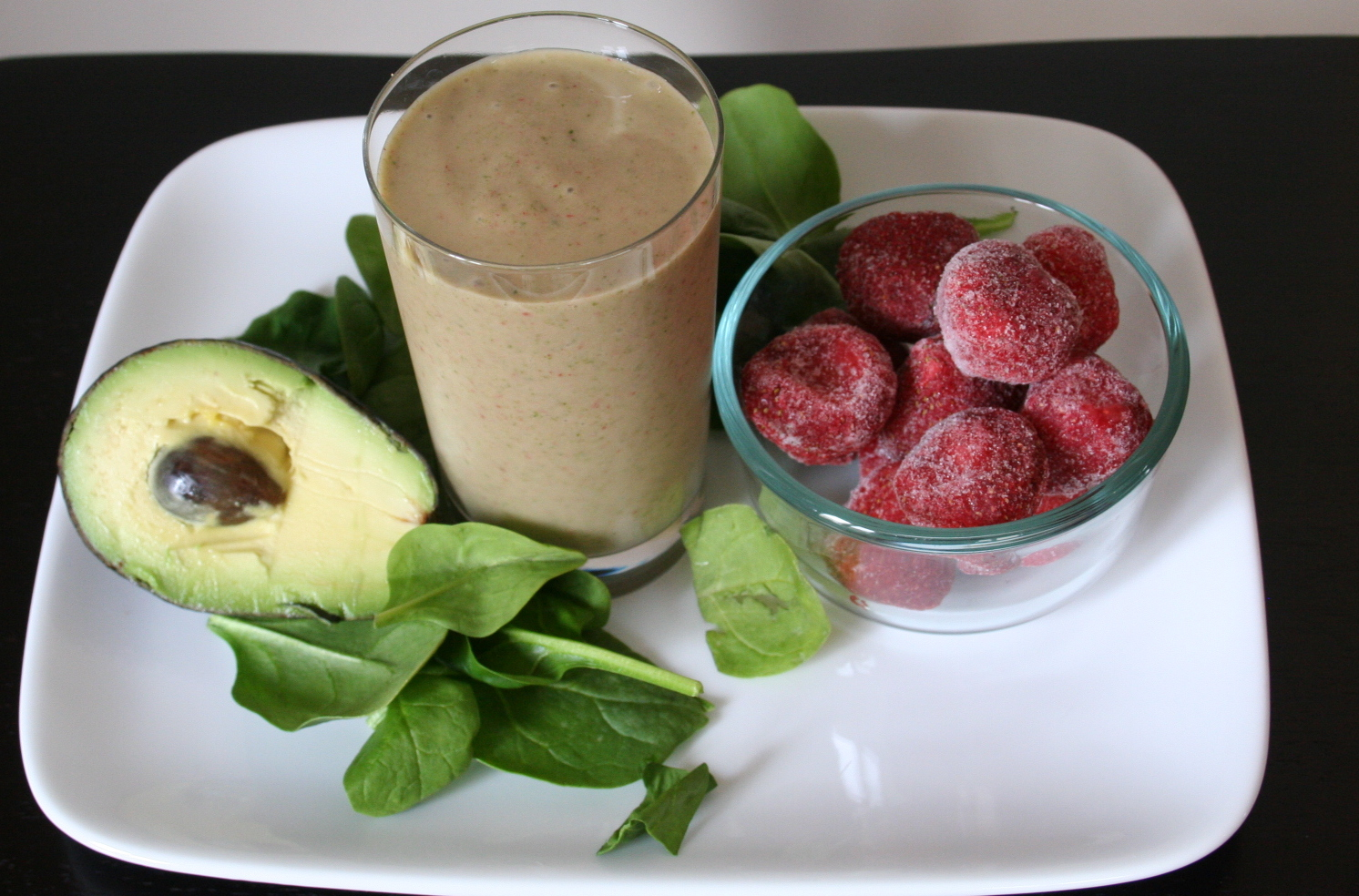 The Healthy Happy Wife Strawberry Spinach Avocado