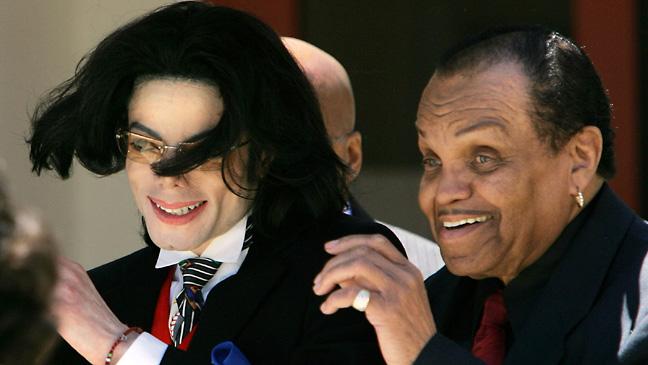 Joe Jackson pai de Michael Jackson teve um princípio de AVC
