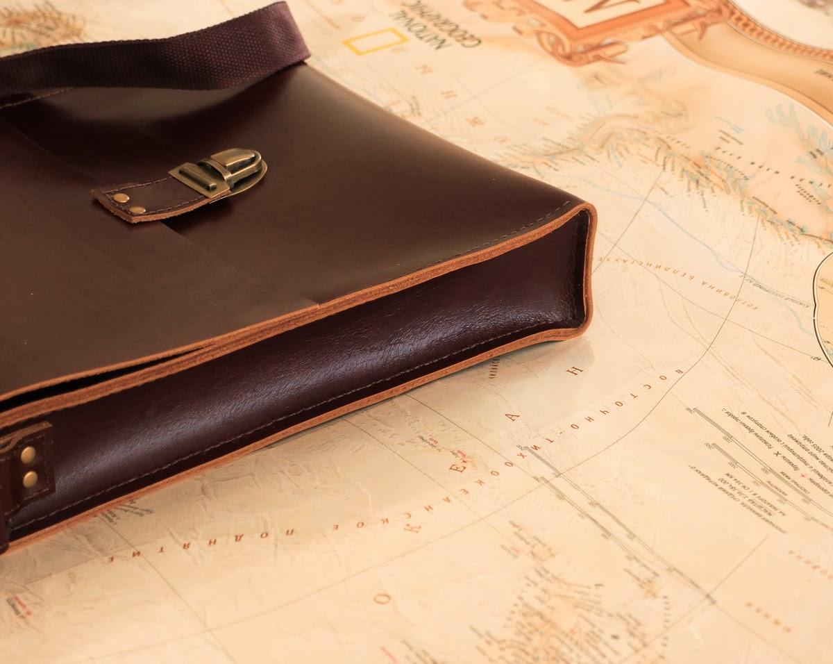 Кожаная мужская сумка сшита вручную без использования швейных машин