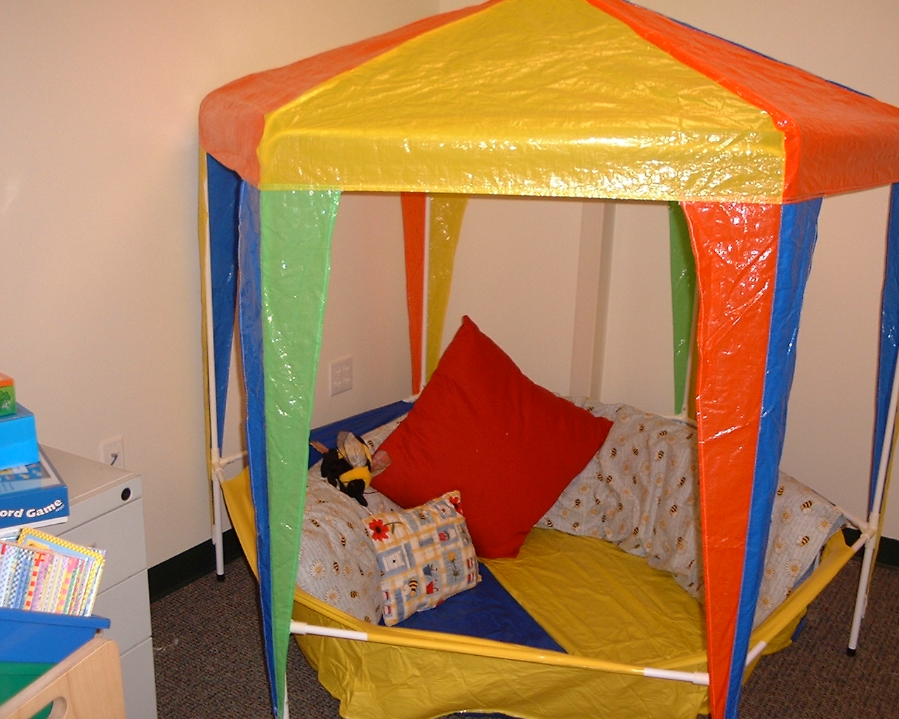 Circus Classroom Decorations ~ Carnival and circus themed classrooms clutter free classroom