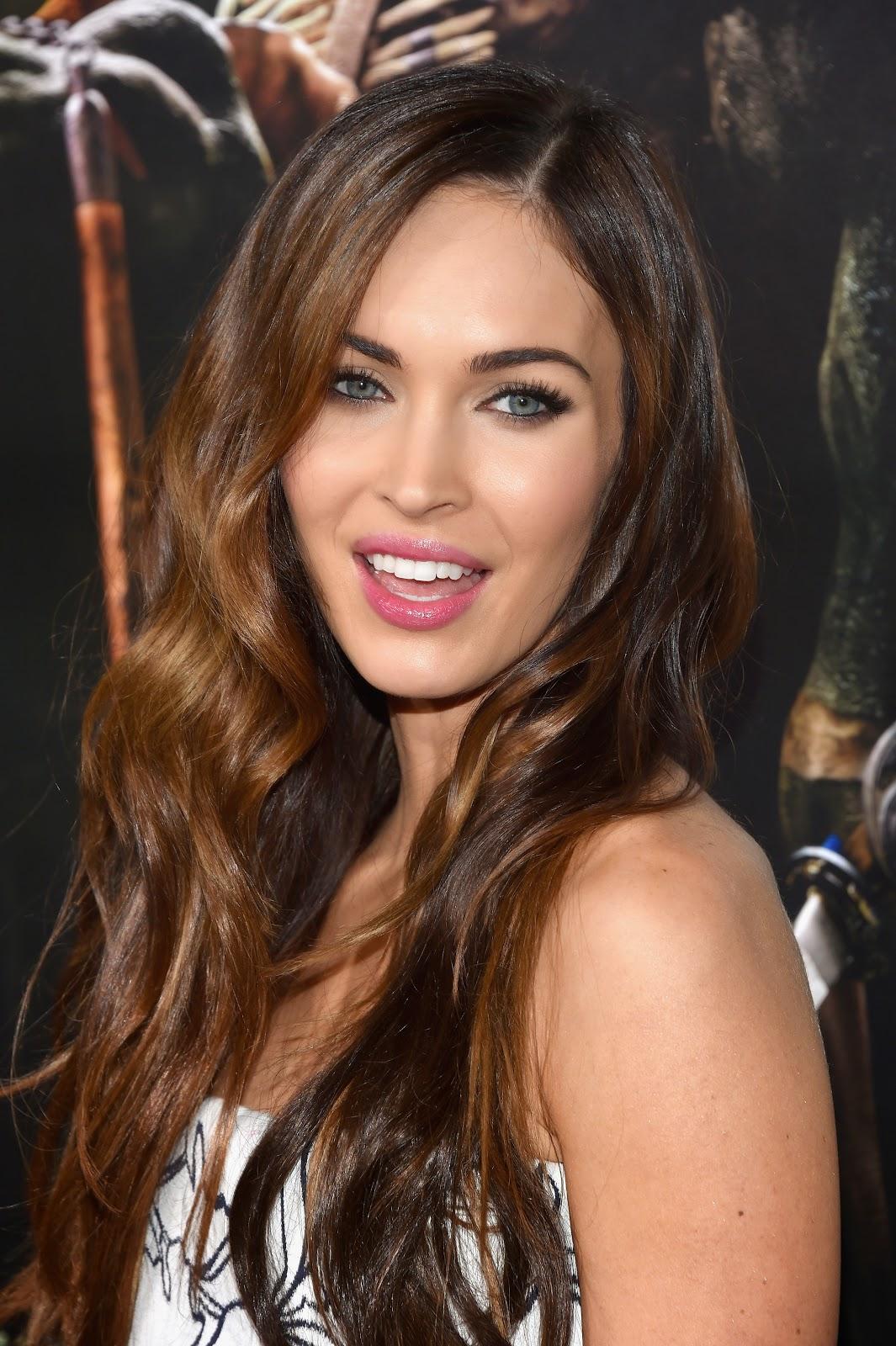Megan Fox HD Pictures at Teenage Mutant Ninja Turtles Premiere