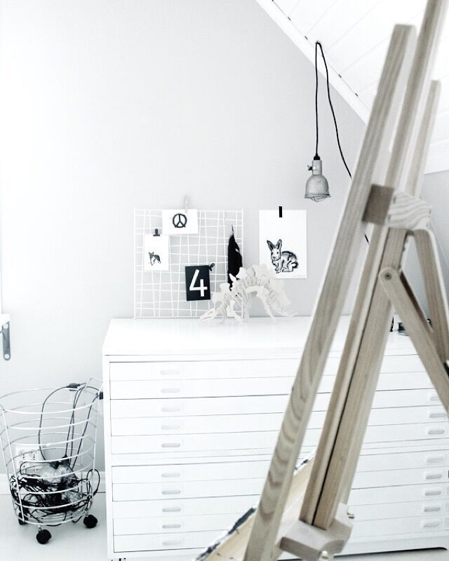 dinosaur, teknikmagasinet, loppis, fynd, konsttryck, kanin, kaniner, poster, posters, print, prints, artprints, artprint, svart och vitt, svartvit, svartvita, plakater, plakat, webbutik, webbutiker, webshop, inredning, inredningsbutik, butiker, annelies design, ateljé, ljusslinga, ljusslongor, staffli, svartvita vykort, siffra, siffror, tavla, tavlor, grafiskt, grafiska,