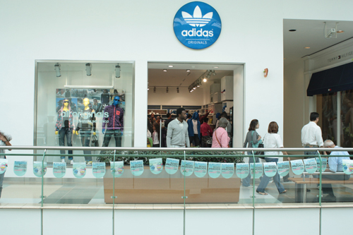 adidas originals unicenter telefono