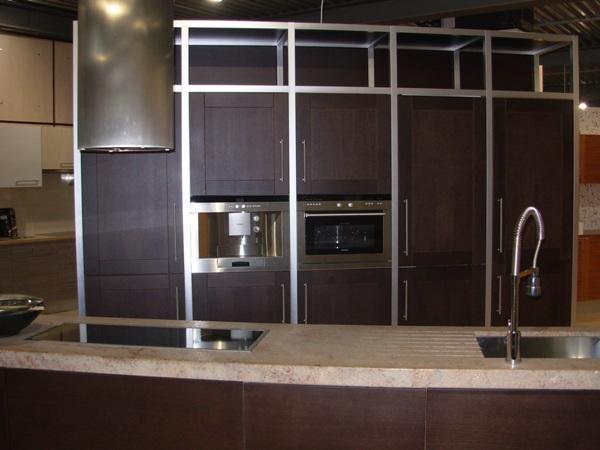 Modernas cocinas kitchen design luxury homes for Cocinas wengue