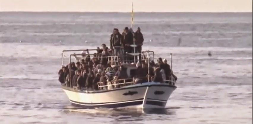 Πρόσφυγες που προσπαθούν να εισέλθουν στα νησιά του Αιγαίου.