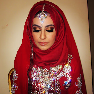 arabic, eyes, eyeshadow, makeup, look, blog, bridal, desi, indian, tutorial, indian, dulhan, red, gold, bronze, smokey, mac, maccosmetics, reflects, bronze, glitter, nars, gilda, smokey, arab, lashes, red, tikka, bride