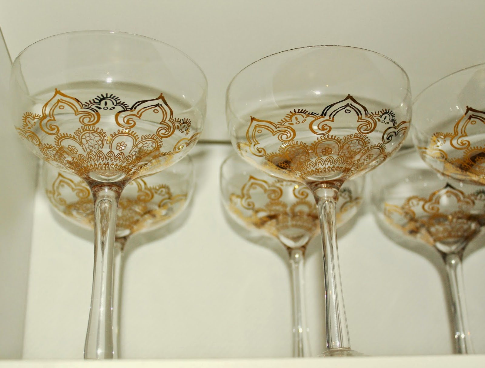 detailed champagne or sparkling wine glasses