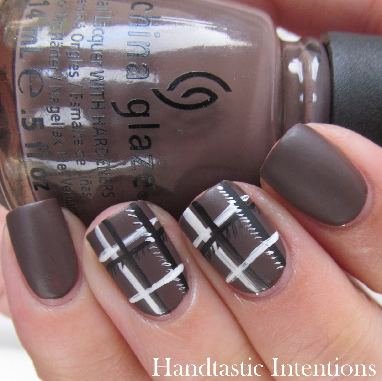 Handtastic Intentions: Nail Art: #31DC2014 Day 25 Fashion Inspired