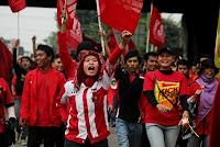 buruh blokir jalan