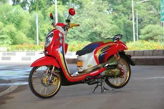 modifikasi-honda-scoopy-merah
