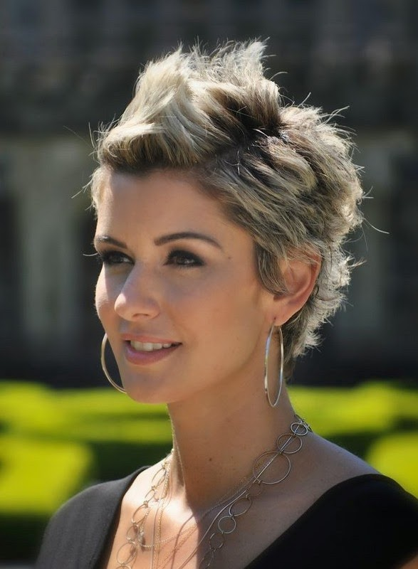 Most Beautiful 15 Short Haircuts For Women