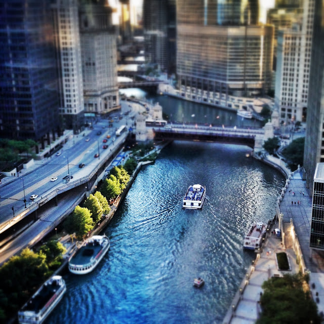 Tilt shift of the Chicago River from the Sheraton Hotel and Towers