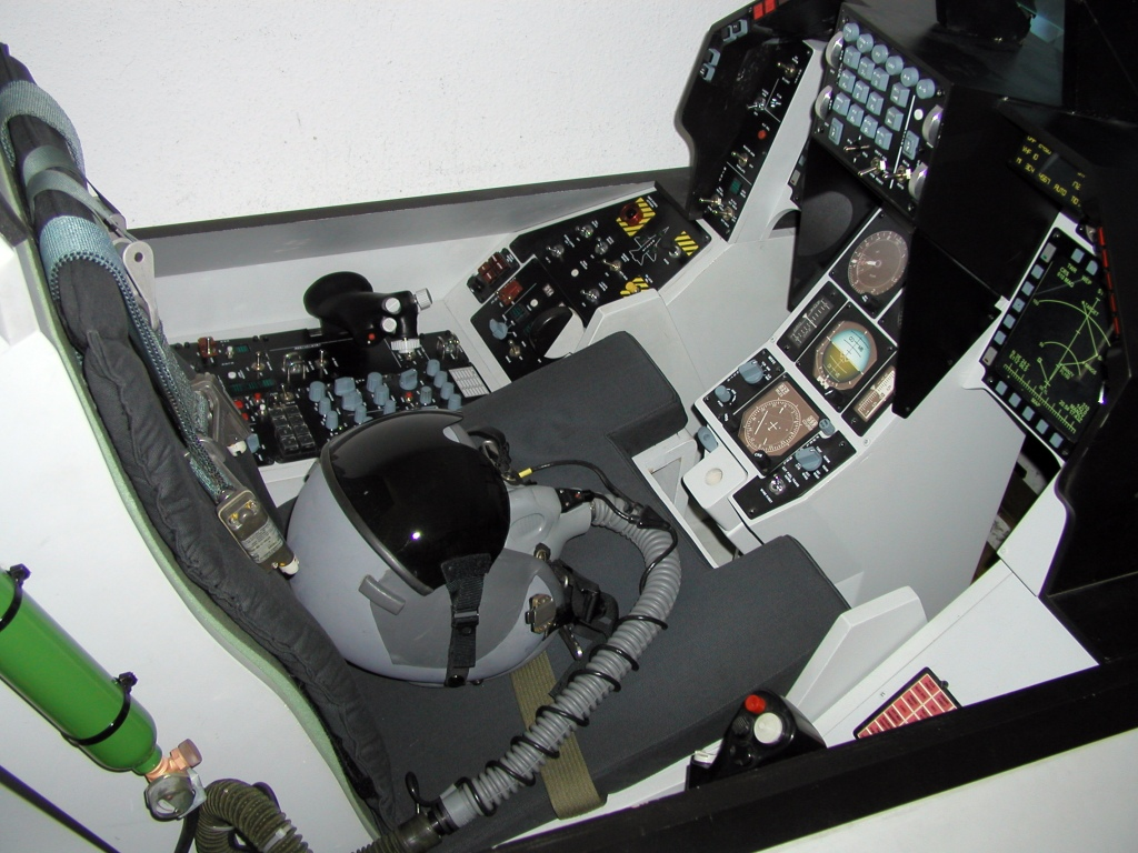Home flight simulator set up - Cockpit By Martin Schmitt