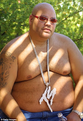 http://2.bp.blogspot.com/-WhTGWkcnsn8/TfIVvnCoUsI/AAAAAAAAAIM/O6_QMbHwxfY/s1600/fat+joe.jpg