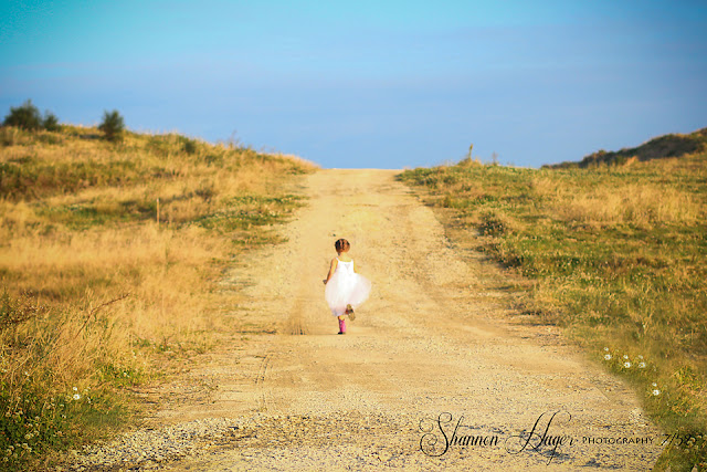 children's photographer, shannon hager photography, field in okinawa