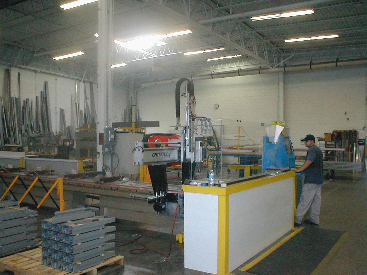 http://2.bp.blogspot.com/-WhgPwFt94NM/Tx2NvBaP3CI/AAAAAAAAEDc/MVXZj6C1TkQ/s1600/ModernIndoorCurtain+Wall+Construction.JPG