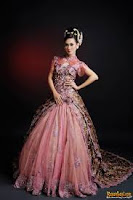 Gaun Pengantin Batik