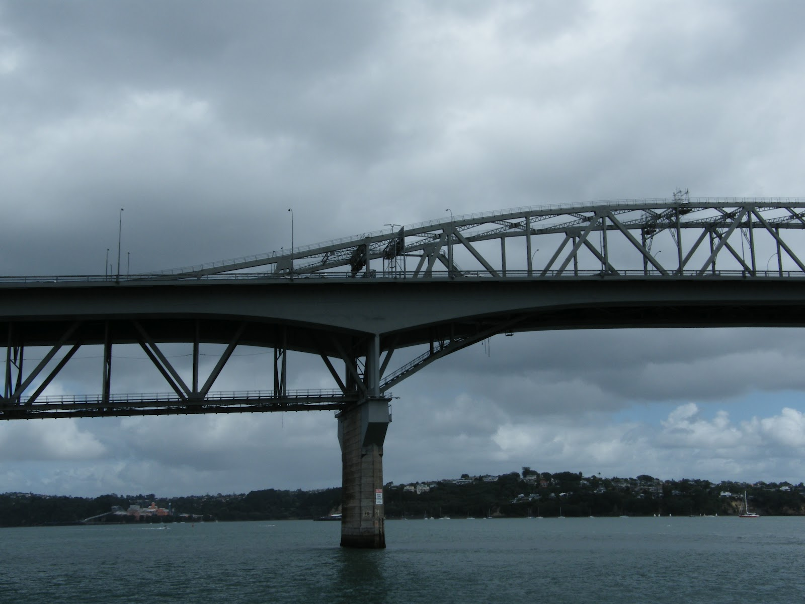 bridges this week s frifotos theme twitter travel discussion auckland bridge is not the most attractive bridge in the world but it serves a purpose as the lifeline between the north shores of the city of auckland and