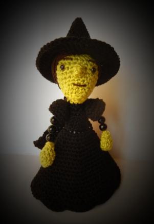 Free Amigurumi Witch Pattern : 2000 Free Amigurumi Patterns: Wicket Witch of the Wizard of Oz
