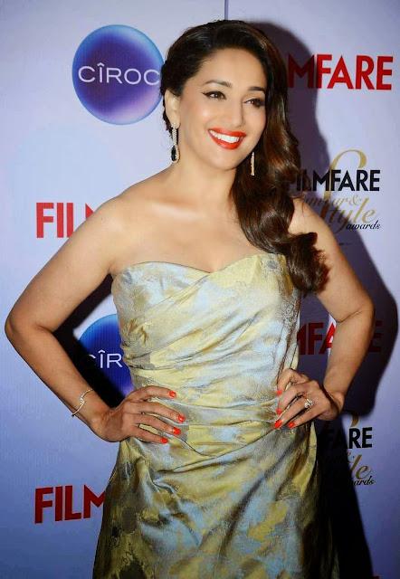 Madhuri Dixit Stills At Ciroc Filmfare Glamour Style Awards 2015