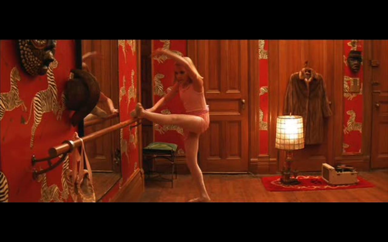 http://2.bp.blogspot.com/-WicrdU-g6us/UAGaZgqFWsI/AAAAAAAAC54/PjJSfxi3vjk/s1600/ballet+bar+margot.jpeg