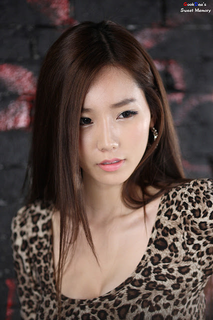 4 Lee Ji Min - Leopard Girl-very cute asian girl-girlcute4u.blogspot.com