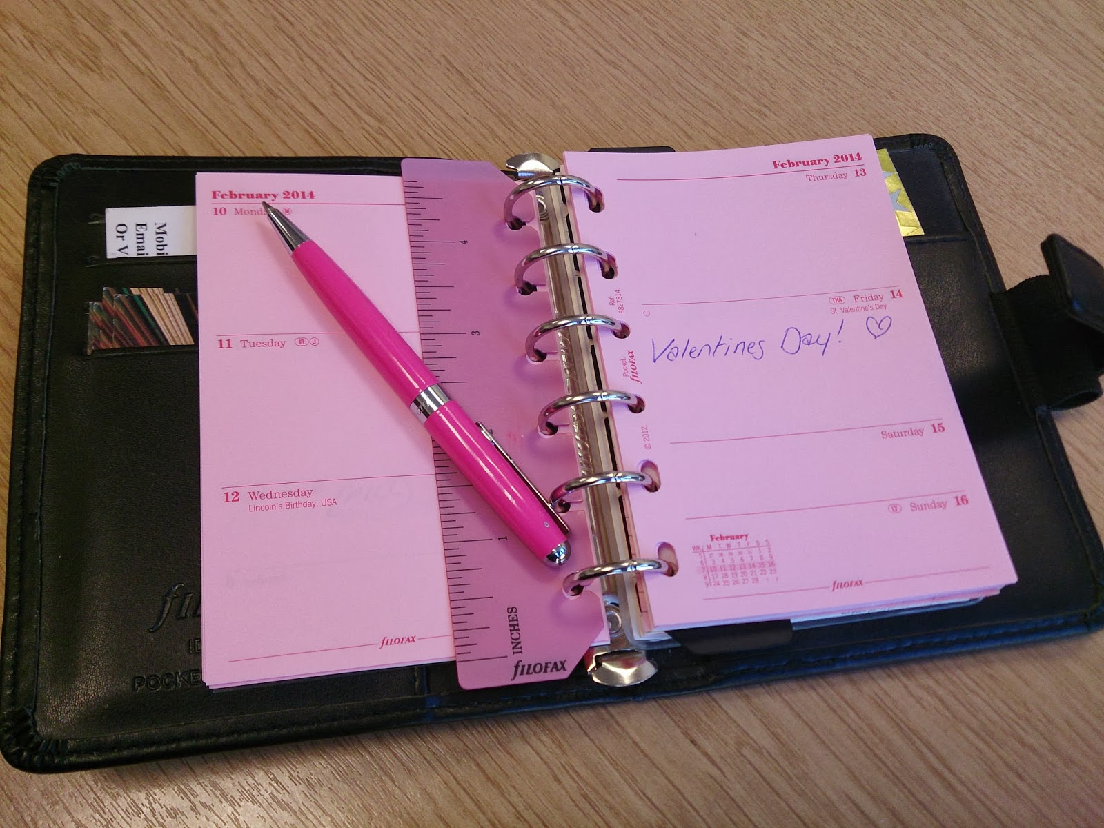 filofax personal organiser organizer pocket diary black pink breast cancer pen inserts refills pages paper ray-bans organised organisation calendar address book