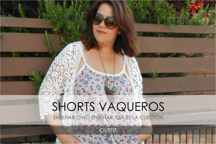 TOP SPF & DENIM SHORT · Outfit