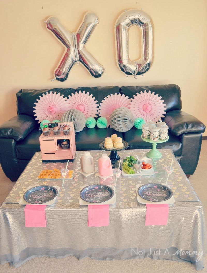 RAWR Means XOXO In Dinosaur Valentine's Day Party table