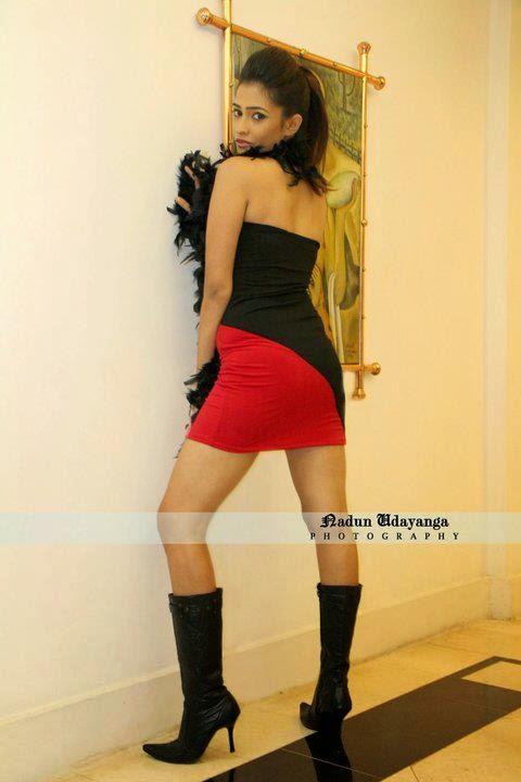 Tania Deen ass
