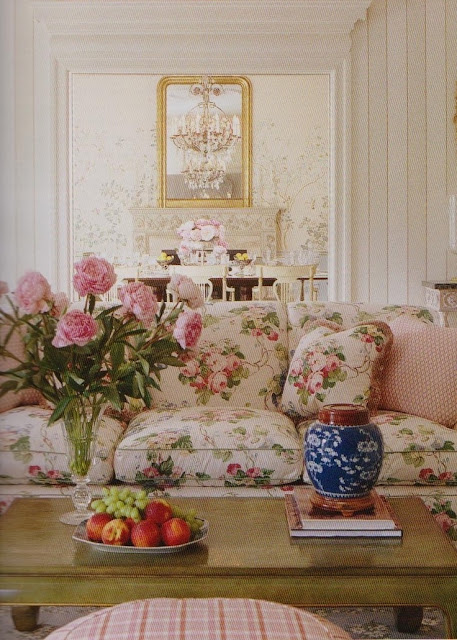 Hydrangea hill cottage charlotte moss - Floral country living room furniture ...