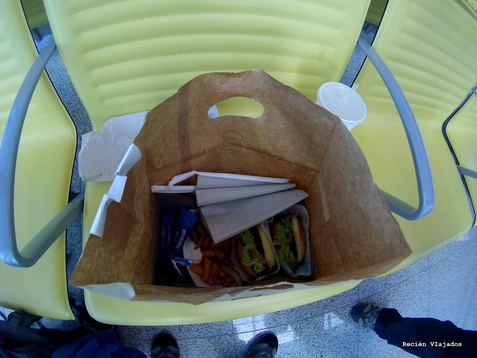 Hamburguesas del Shake Shak compradas en el aeropuerto de Dubai