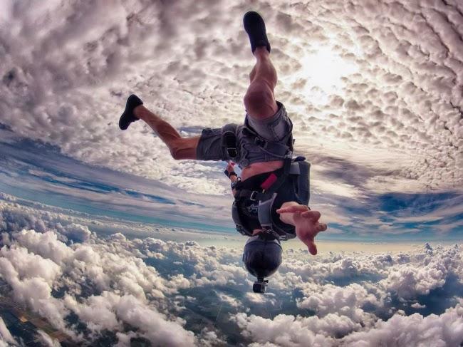 Декстер Марселино в небе над Майами. Автор фото Ральф Тернер.