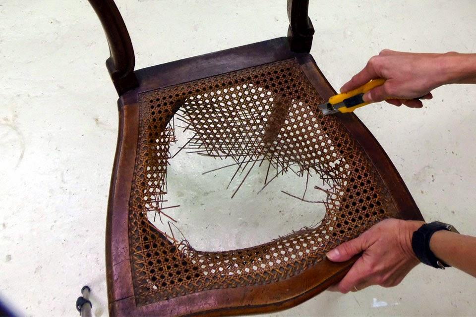 Cuchita bacana talleres de reciclado de muebles y - Como tapizar sillas antiguas ...