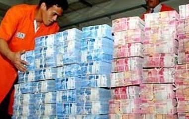 Warga Bekasi Temukan 60 Karung Potongan Uang Kertas!