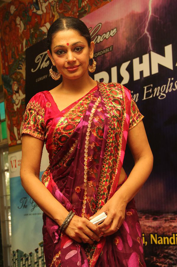 Displaying images for shobana dance - Shobana In Saree Shobana S Krishna Dance Drama