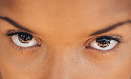 How Eye Contact Affects Our Brains - beautiful brown hazel