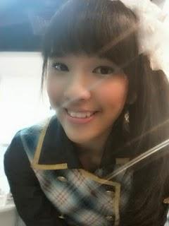 Foto Cantik Beby Chaesara Anadila JKT48 Pakai Seifuku Shonichi