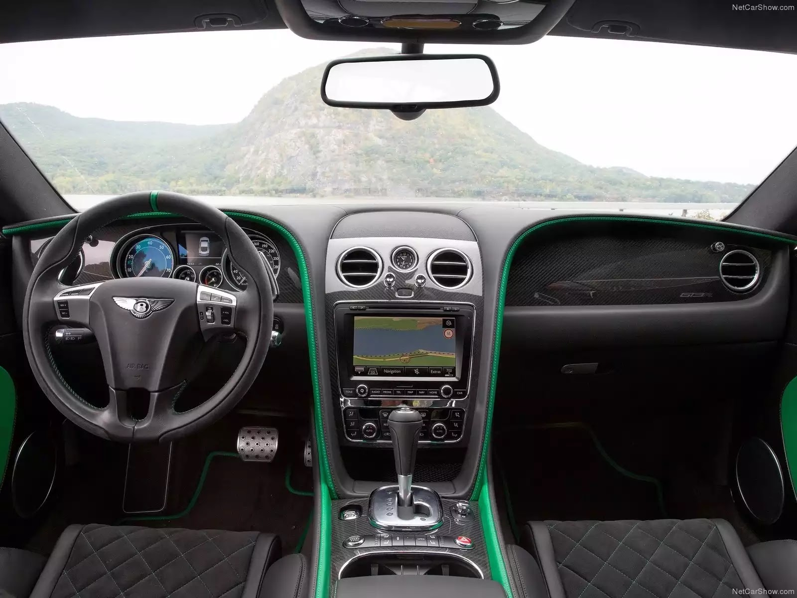 Hình ảnh xe ô tô Bentley Continental GT3-R 2015 & nội ngoại thất