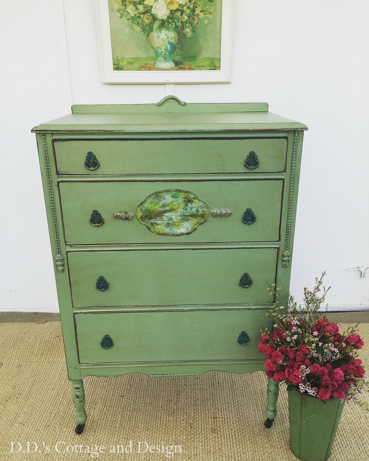 A Vintage Green Dresser And Napkin