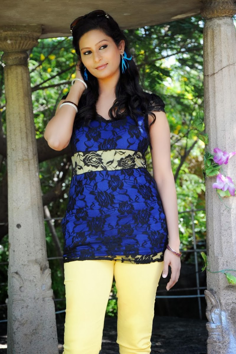 Neelam Kothari - JungleKey.in Image #100