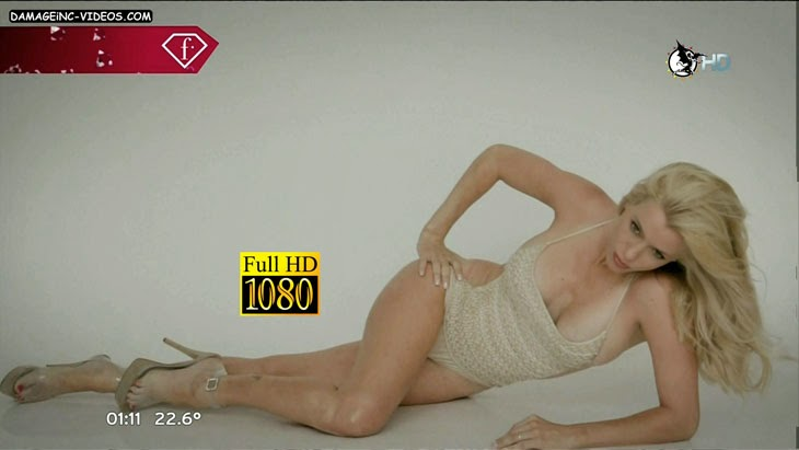 Argentina Celebrity Nicole Neumann deep cleavage HD video