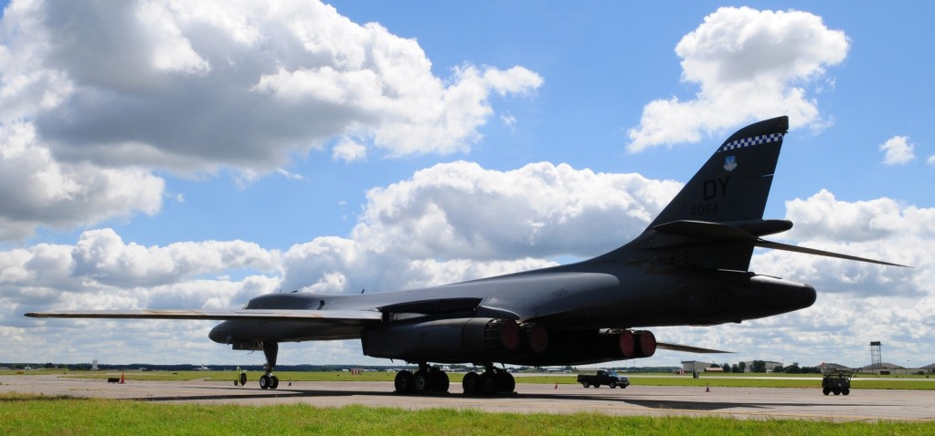 ... Lancer long range bomber has supersonic speed, variable-geometry wings B1 Lancer Supersonic