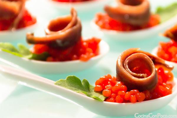Anchoa del Cantabrico sobre caviar de tomate - Receta paso a paso - Especial Navidad